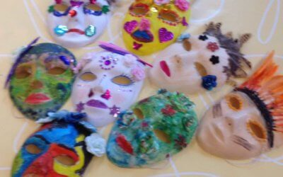 Creatieve salon met maskers maken